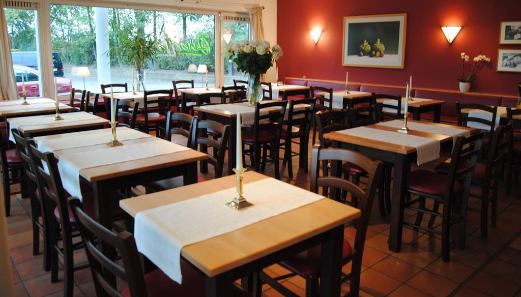 Table de restaurant franca sf plusieurs dimensions tables en bois tables almostyle - Table professionnel restaurant ...